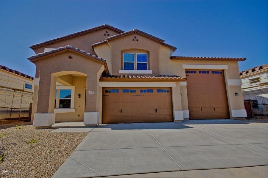 Courtland acacia plan 2738 rv garage homes for Homes with rv garage