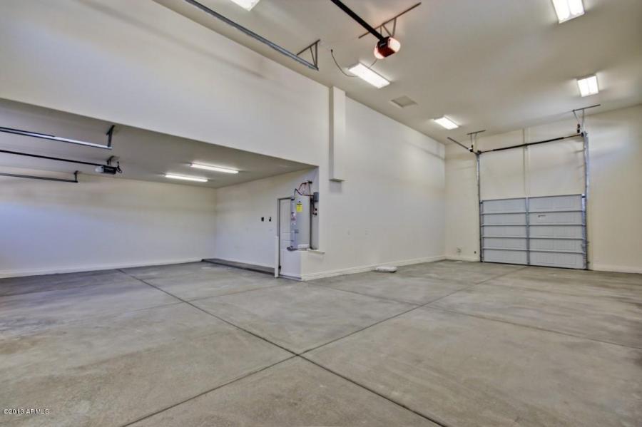 Courtland acacia plan 2738 rv garage homes for Rv garage door